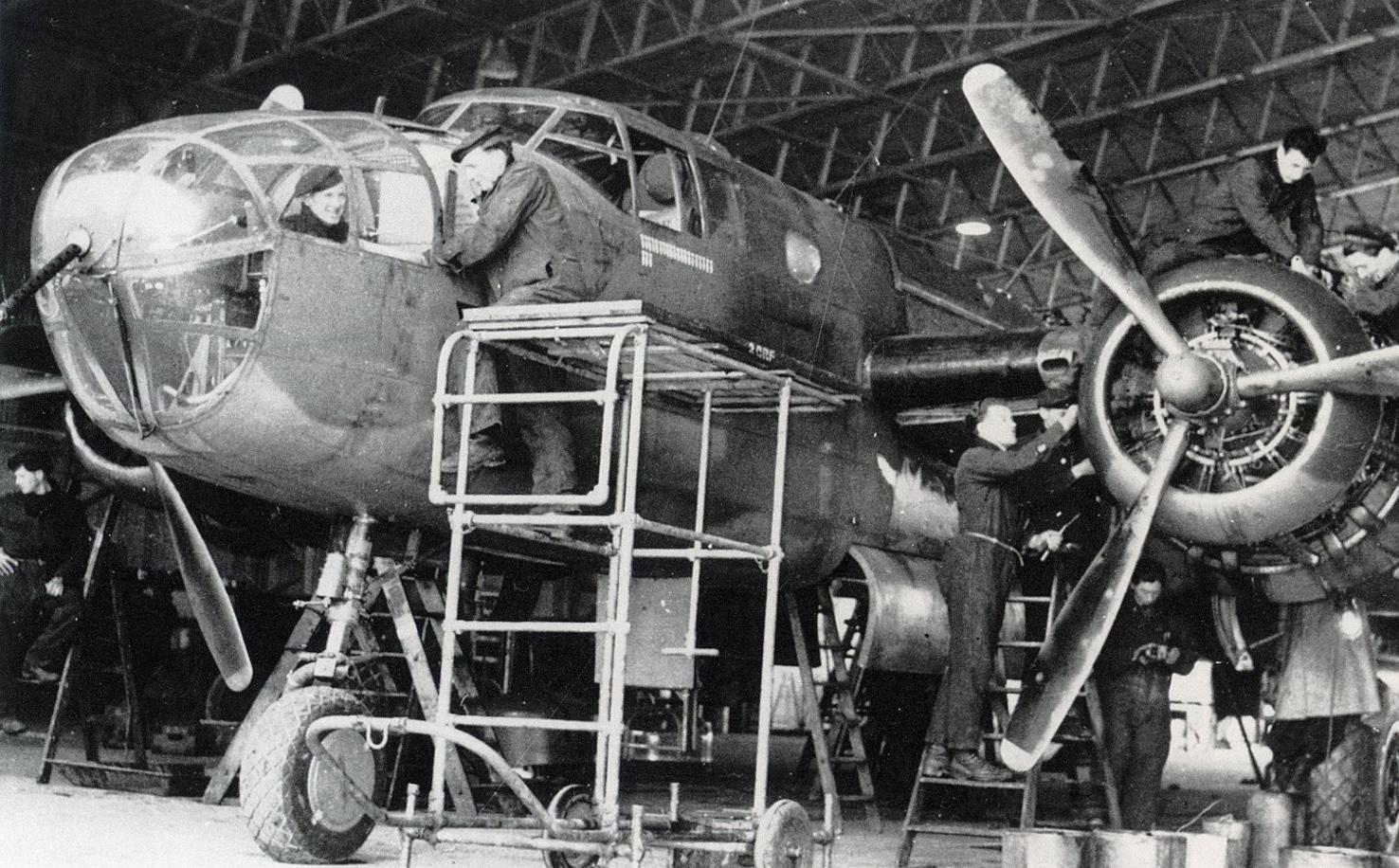 Vliegen 320 Squadron-02 nieuw