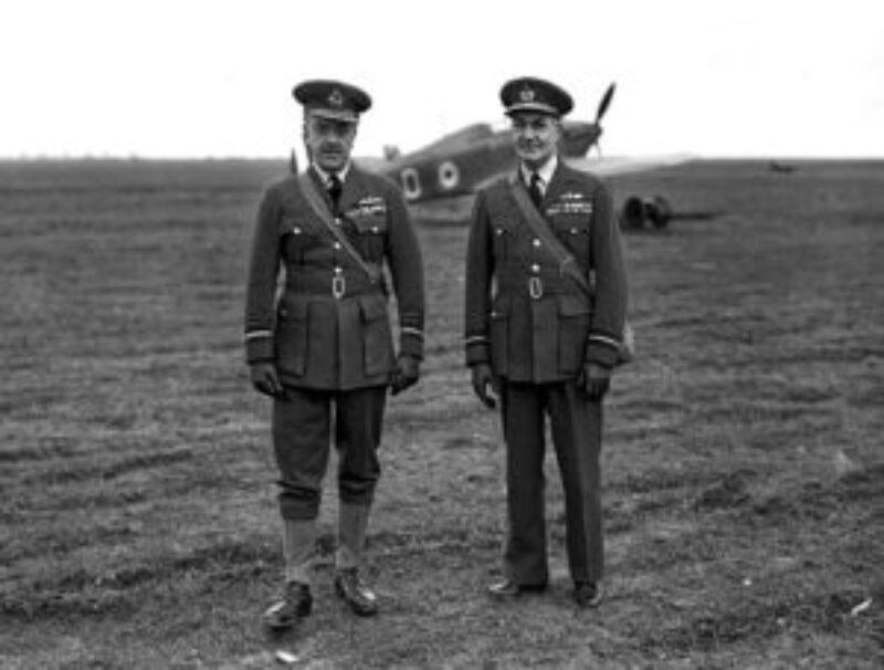 De bevelhebber van de BAFF, Barratt, en Playfair, de commandant van de AASF (IWM C1333).